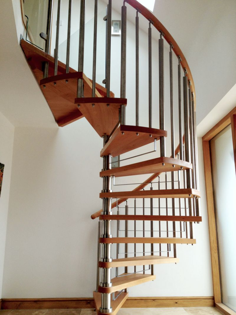Modern Spiral Staircase Timber Tread 1