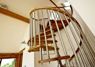 Modern-Spiral-Staircase-timber-tread-4