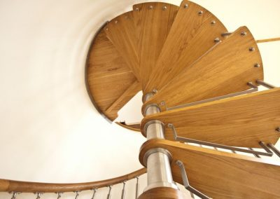 Modern-Spiral-Staircase-timber-tread-5