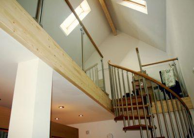 Modern-Spiral-Staircase-timber-tread-glass-panels-3