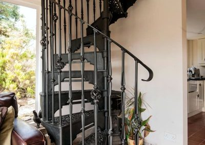 Victorian-Cast-Iron-Staircase-Rhonde-Basket-2
