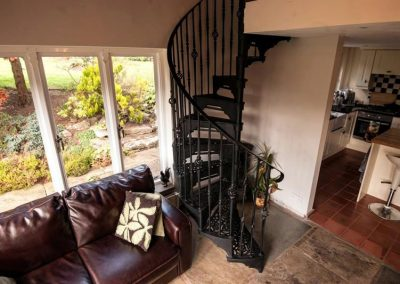 Victorian-Cast-Iron-Staircase-Rhonde-Basket-4