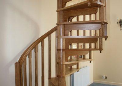 Warwickshire-wooden-spiral-staircase-3