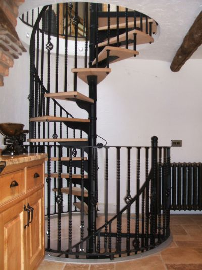 Traditional Wrought Iron & Timber Spiral Staircase