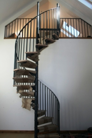 Stratford Installation Timber Tread Steel Spiral Staircase Balustrade 4
