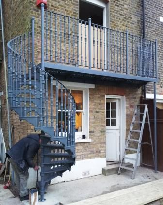 Victoran Cast Iron Balcony Spiral Staircase 1370mm diameter installation