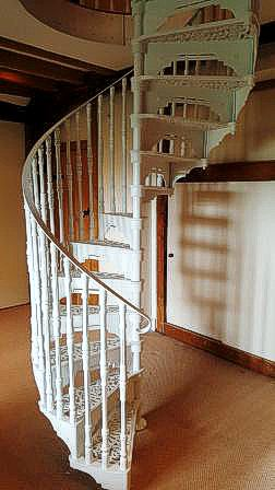 White Cast Iron Victorian 1370 Spiral Stairs