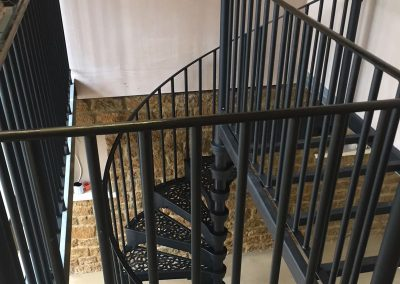 1830 with E1 round balusters